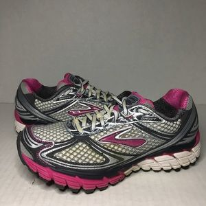 WMNS Brooks Ghost 5 Running Shoes